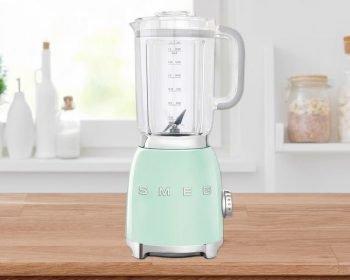 Smeg BLF01 blender
